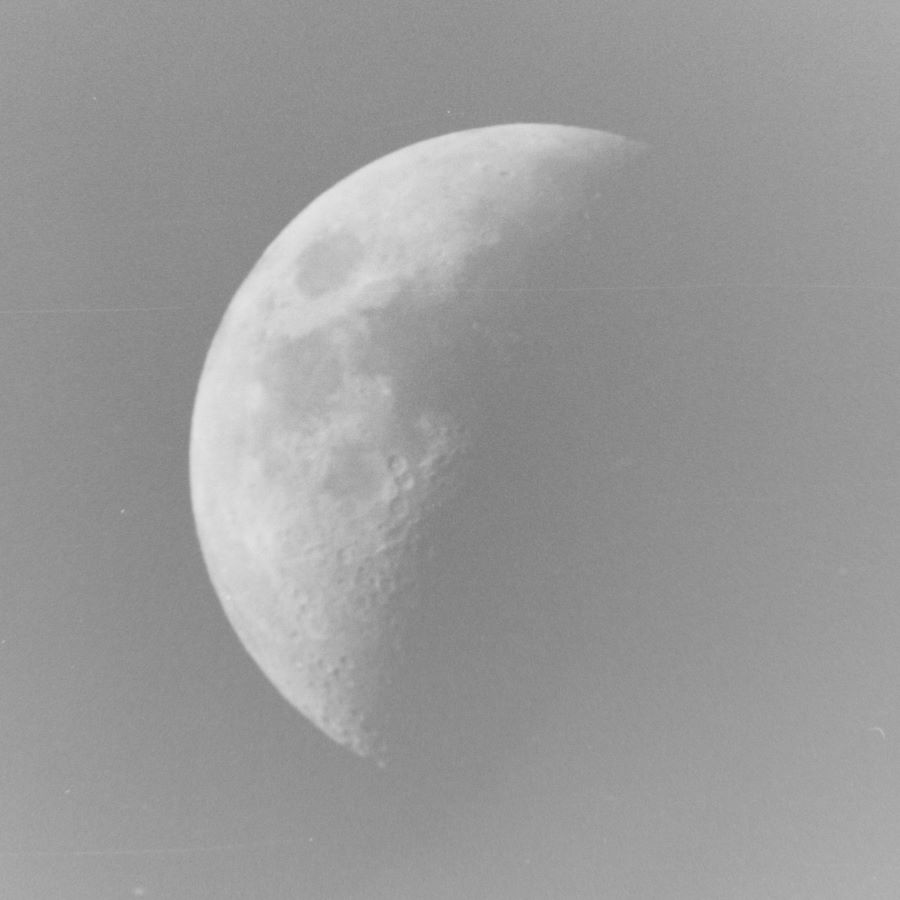 Moon (ISO 200 1/25 Sec)