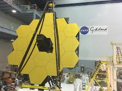 1200px James Webb Space Telescope Revealed (26832090085)