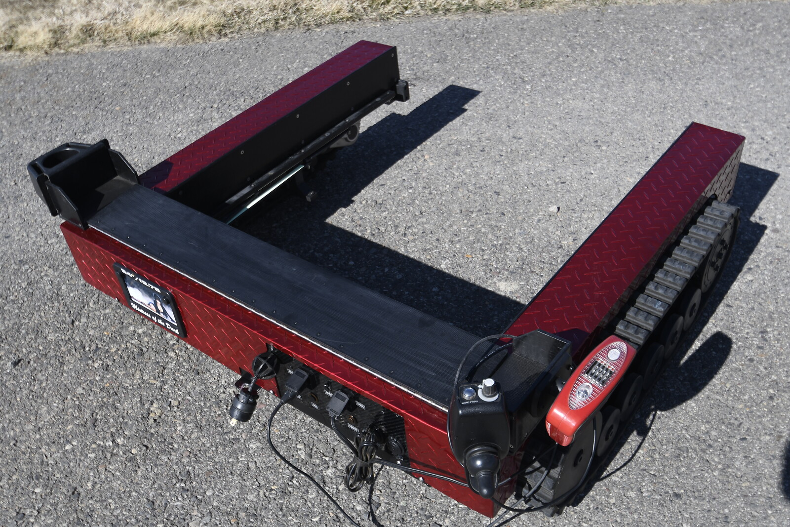 CRAWLER - REAR VIEW