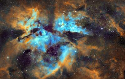 Eta Carinae (Hubble Palette)