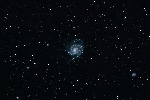 Pinwheel Galaxy with AT72ED and AT 0.8X Reducer (Center Crop)