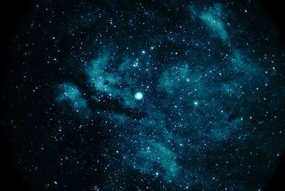 GammaCygniNeb Zeiss200f2 6nmHalpha 30sec 80iso