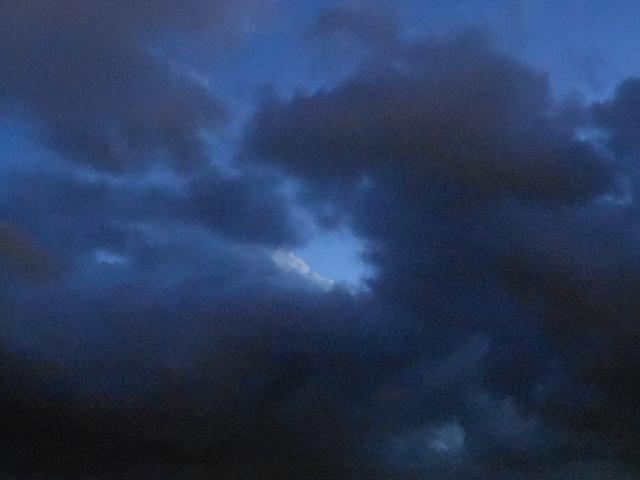Two cloud layer.Moonlight.DSCN4070