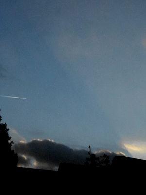 Crepuscular rays.31 Oct.16.DSCN3675