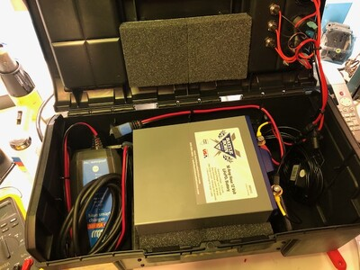 Toolbox turned to 50Ah LiFePO4 battery power station