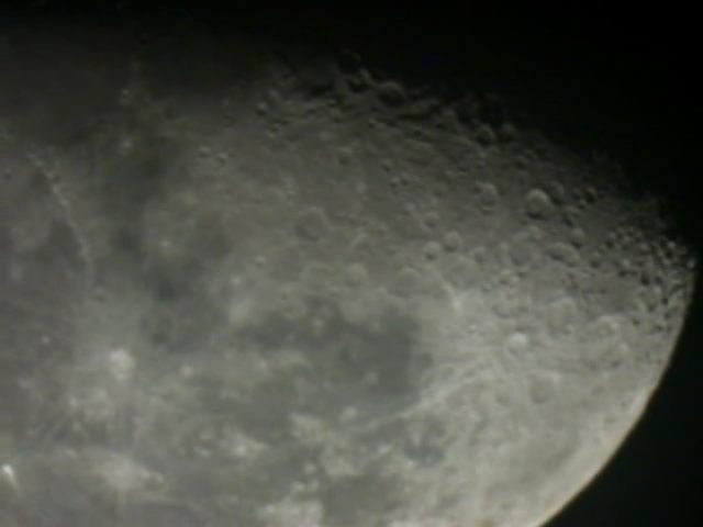 Moon-630mm-Meade-2045-with_Meade-f6.3_focal_reducer.jpg