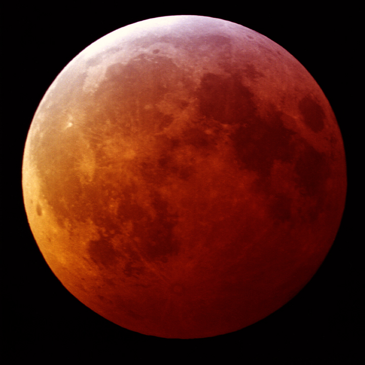 bloodmoon_midtotality6_01_20_2019_small.jpg