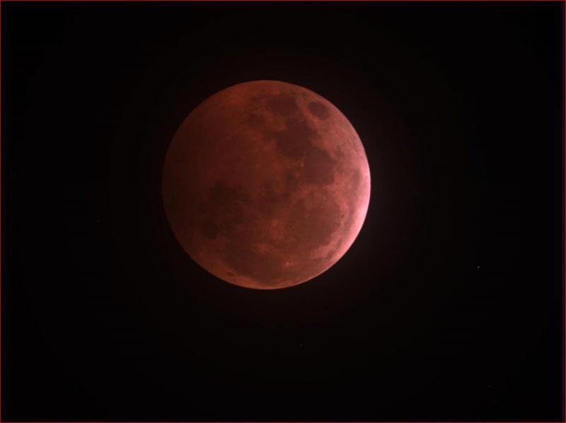mid eclipse.JPG