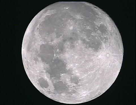 1459267-moon 3-2-07.jpg