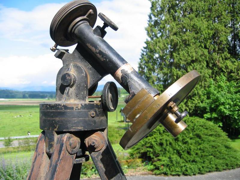5747390-brass telescope 019.JPG