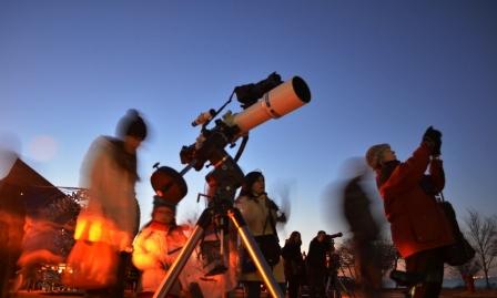 lunar eclipse outreach fc100dc @adler.JPG