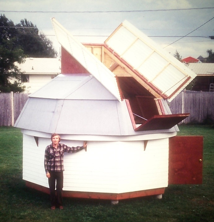 58 toms 12-foot dome in suburb.jpg
