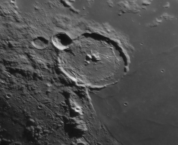 Moon_195121_lapl6_ap98 gassendi.jpg