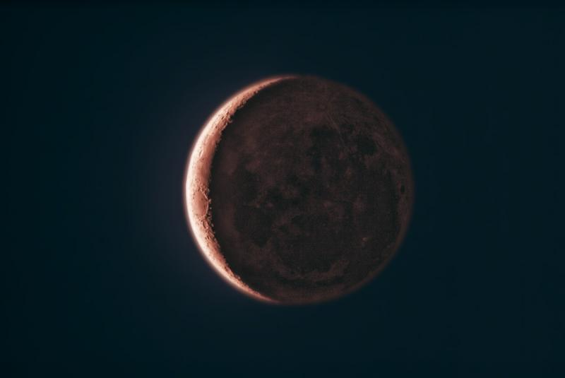 crescent_moon_lowres.jpg
