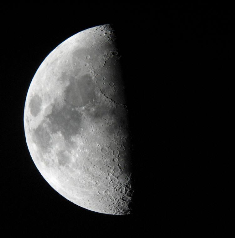Moon 009.jpg