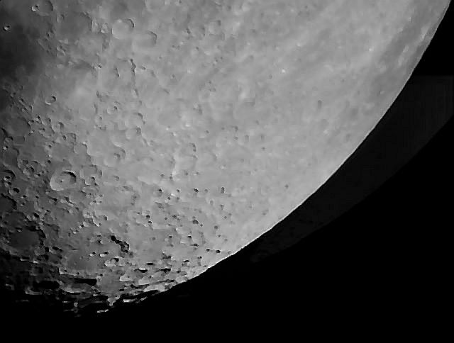 Explore Scientific FL-AR102 - Moon (Clavius) 20161209V10AS34.jpg