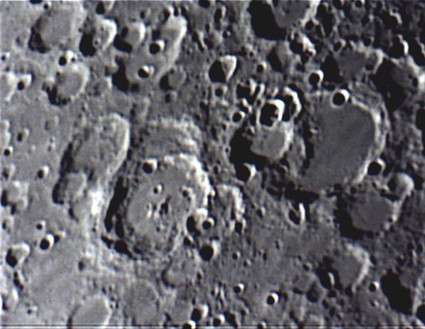 moon41202002;00.jpg