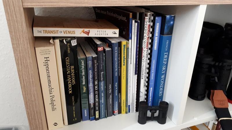 Astro-bookshelf.jpg