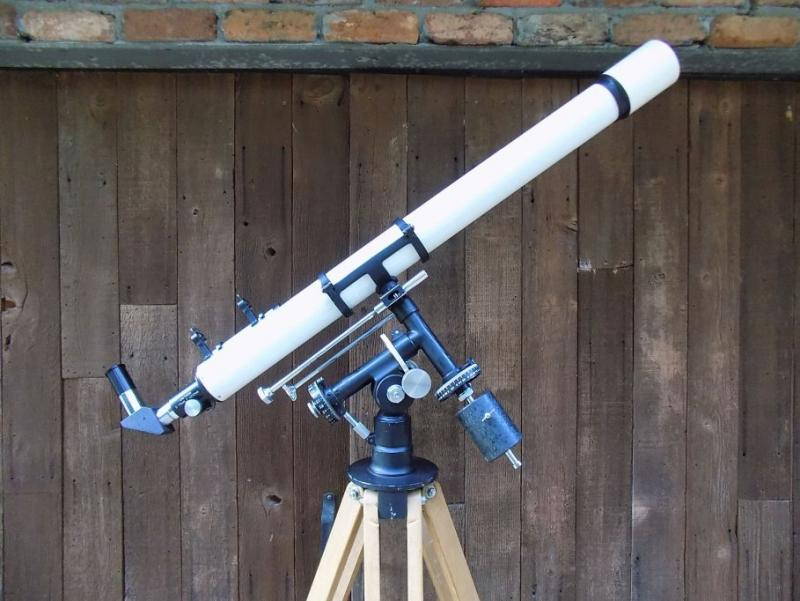 Unitron 142 S13 (Complete spectros 35mm Accessories).jpg