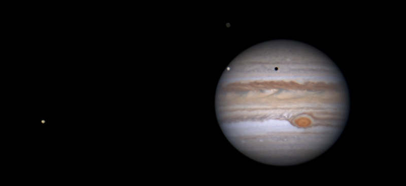 Jupiter 2019-05-18 00-24 w Europa, Callisto and Io v1 25pc.png