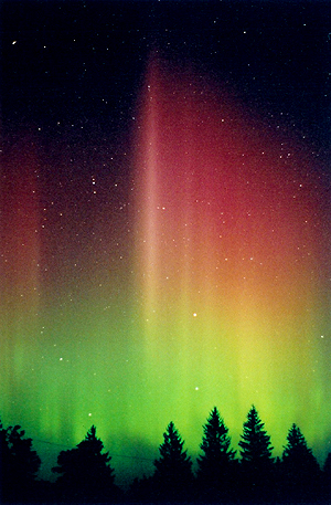 1-Aurora_at_the_2002_BFSP_-_Prominent_Rays.jpg