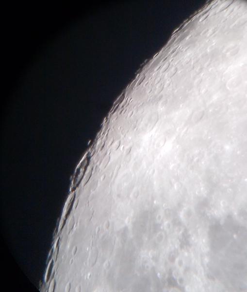 Moon at 180x sm.jpeg