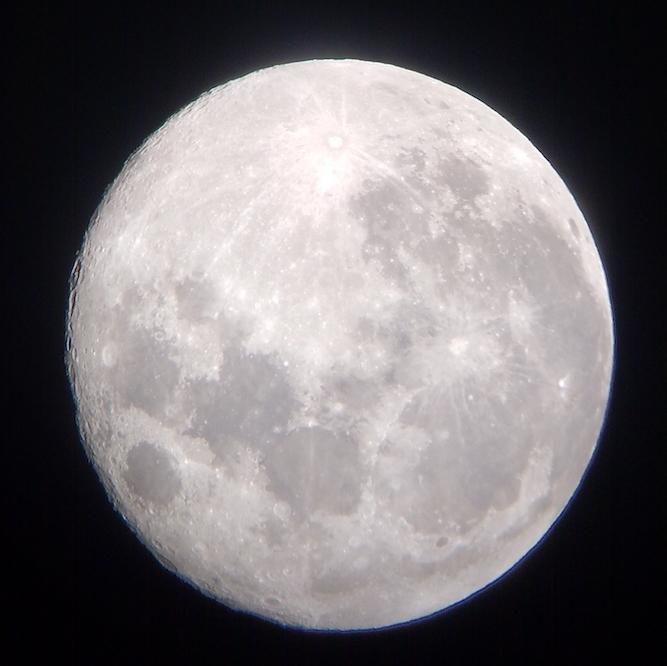 Moon at 52x sm.jpeg