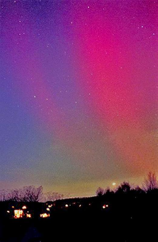 Auroral November 2001 Naylor Reprocessed Resized CN.jpg