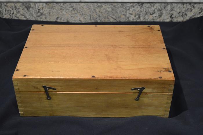 sat box.jpg