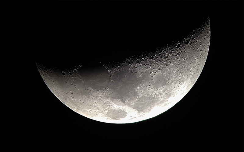 Moon RegiStax 1 (800x500).jpg