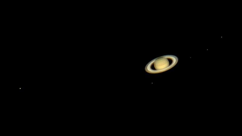 Saturn5moons160609.jpg