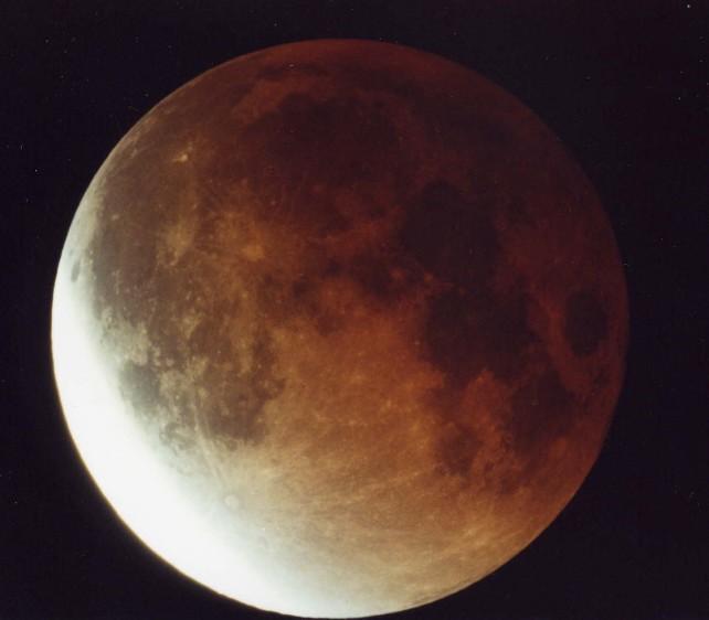 moon_11.8.03.1.JPG