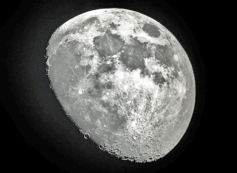 Moon iPhone June 1 IMG_5338 Reprocessed Cropped Resized 1600 Large CN.jpg