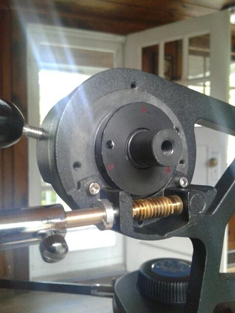 StarPro Alt.cntrl; round nut set screw locations.jpg