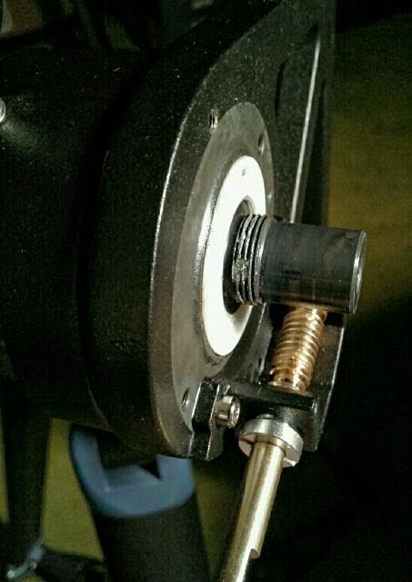 StarPro AZ; axle thread damage.jpg