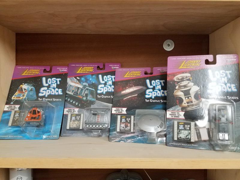 Shelf 001.jpg