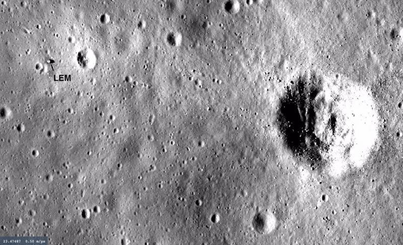 Apollo 11 Landing Site (Close Up).jpg