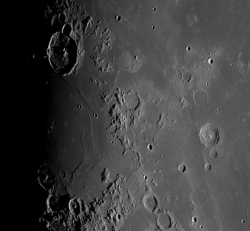 Sunrise on Gassendi and Mare Humorum (Crop).jpg