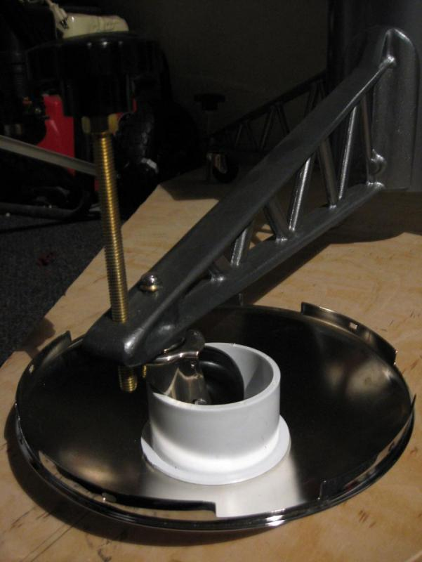 MOON-lander-feet.jpg