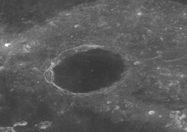 x2019-07-16-0448_4-L-Moon.jpg