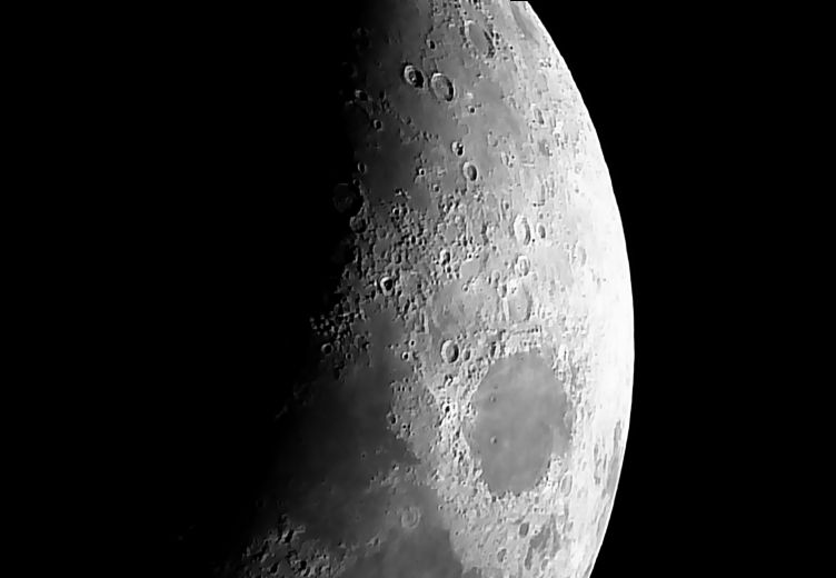 Swift 838 - Moon 20170402V04R01.jpg