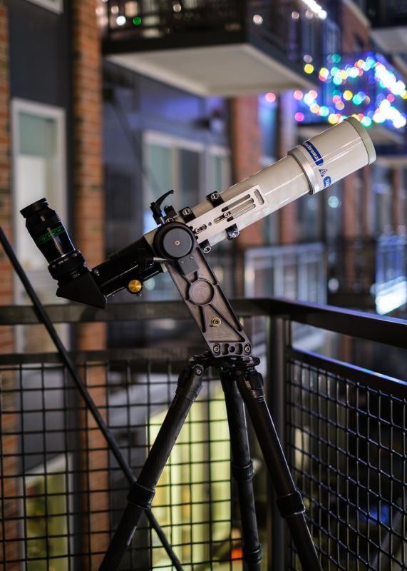 fc76dc-vamotraveler-xmas-night-lights-1_small.jpg