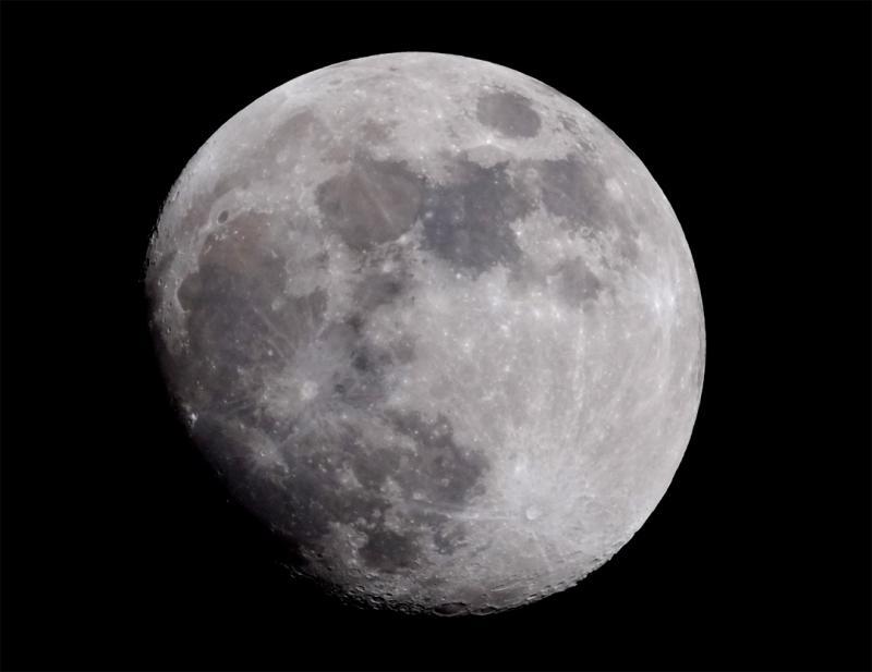Moon 9-23-2018 2230hrs (web).jpg