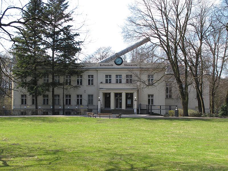 Archenhold Sternwarte 2010red.jpg