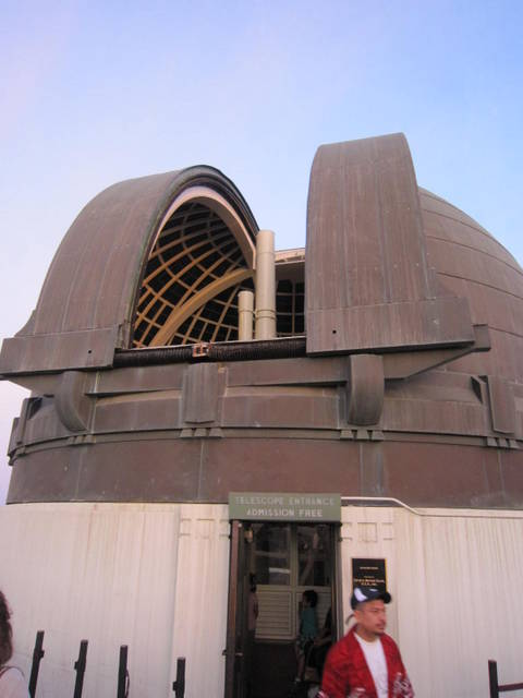 Dome Housing the Zeiss Refractors at the Griffith Observatory.jpg