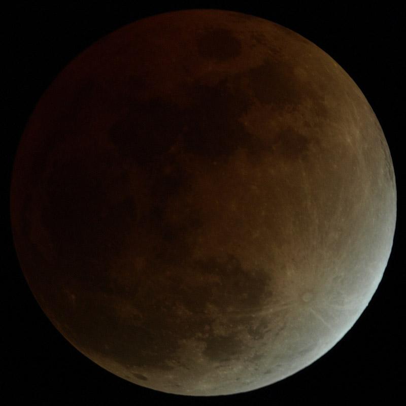 2207854-eclipse.jpg