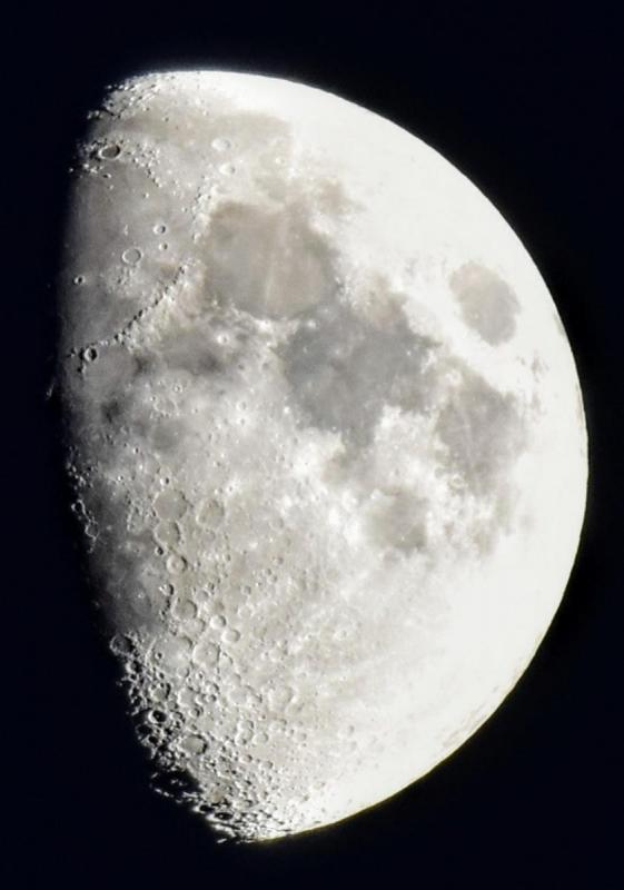 moon10x8 (1)~2_(1).jpg