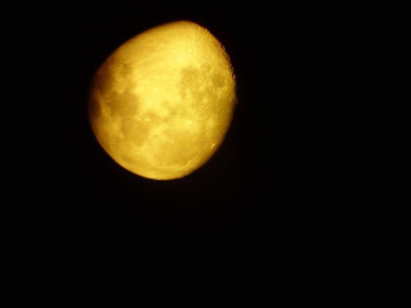 6033933-Moon.jpg