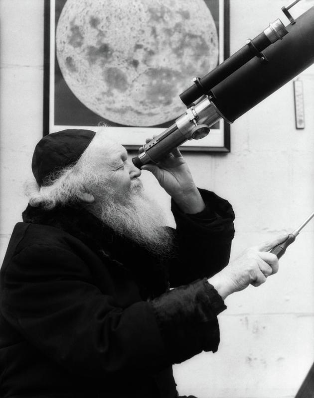17 old astronomer.jpg
