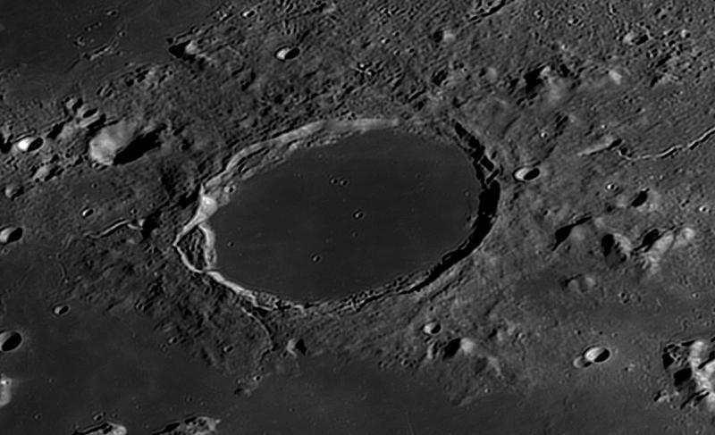 2020-07-30-1227_5-R-3_Moon_brute_AS_P28_lapl5_ap273_Resample20_180_AI.jpg